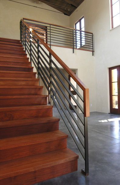 Metal balustrade and timber handrail | Dom, Schody
