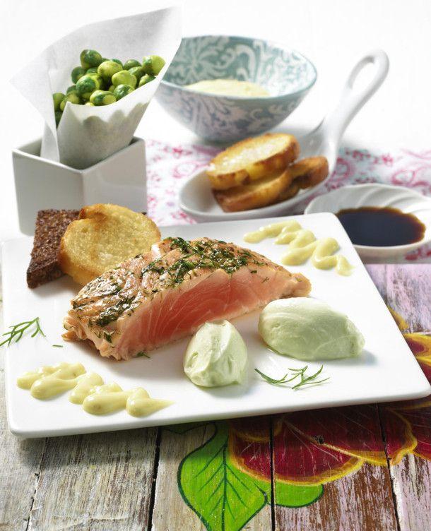 Unser beliebtes Rezept für Lachs mit Wasabi-Mousse und mehr als 55.000 weitere kostenlose Rezepte auf LECKER.de.