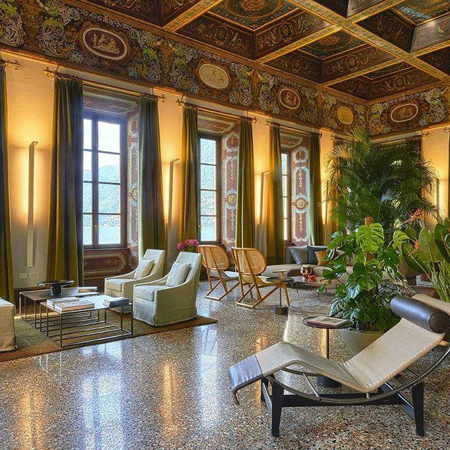 Great reception hall of the palazzo, lake Como, Italy.    #luxuryhouse#luxurylife#luxuryliving#luxurytravel#luxurystyle#luxurydesign#luxuryhome#luxuryproperty#luxuryvilla#thegoodlife#luxury#traveler#travel#privatevilla#chateaux#castles#Rich#boss#lake#Como#lakeComo#Italy#palazzo