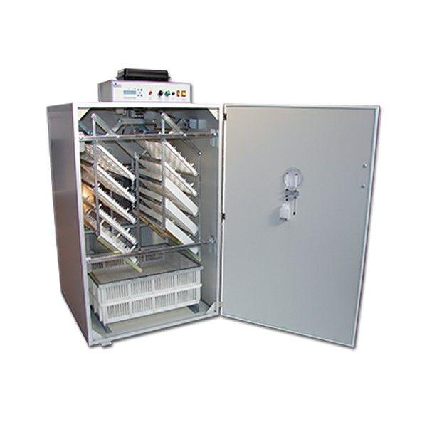 Äggmaskin Fiem MG720 Pegaso Full Option är en stor äggmaskin för produktion av hönsägg. Köp din äggmaskin hos Lantbutiken
