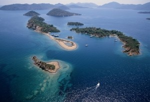 The village of Gocek was founded on the shores of Gocek Bay located in Gulf of Fethiye. Geographically, Gocek is surrounded by the Taurus mountains, except to the south where a getaway to the sea provides easy acces to calm and well-protested harbours.  http://www.cvyachting.com/where-is-gocek/