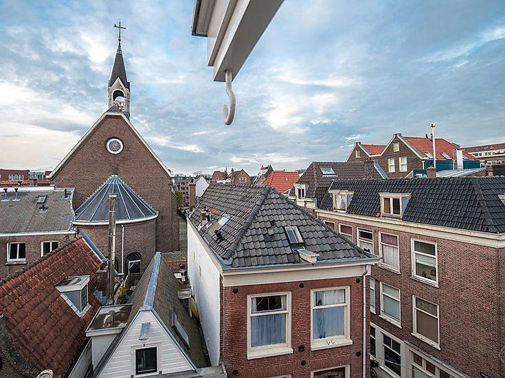 Interhome gaat reisbureaus voorzien van stadsappartementen die klanten anders rechtstreeks via Airbnb zouden boeken. De aanbieder van vakantiehuizen komt met een nieuwe stedenbrochure, met uitsluitend lokale appartementen en vakantiehuizen in Europese topsteden én in New York. 'Het zijn type accommodaties...