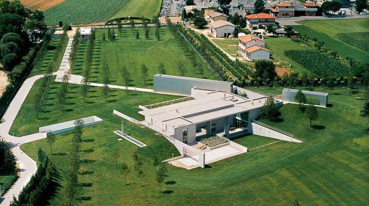 The Invisible House. Architect Tadao Ando. Photo Marco Zanta/Benetton Group