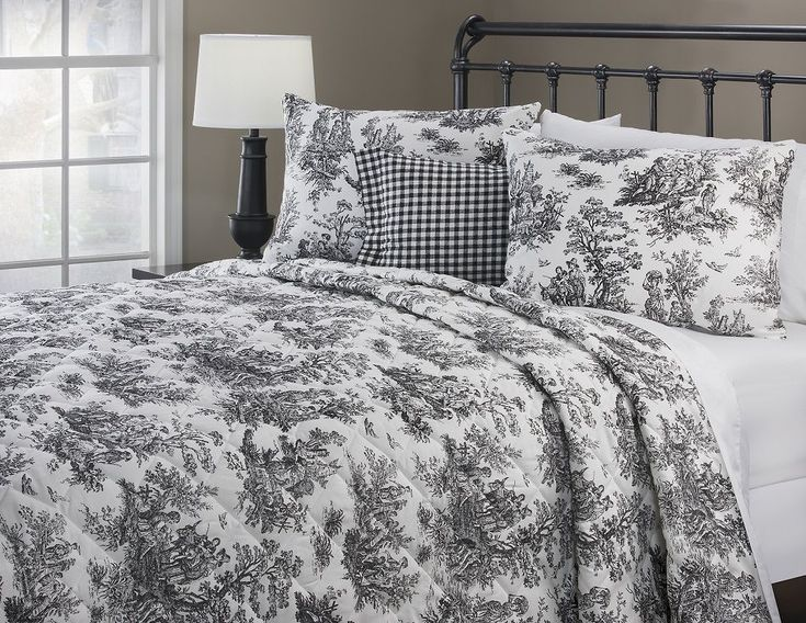 James Town Black and White Quilt Sets by Victor Mill Inc