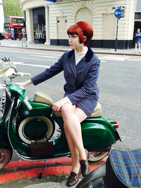 A mod with a hair similar to the Chelsea on a skinhead