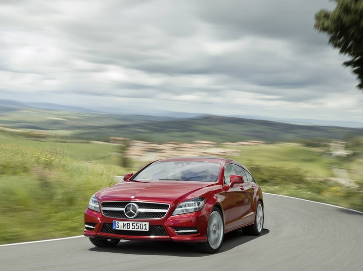 CLS Shooting Brake - Its exciting design and high-quality load compartment with optional design wooden floor make it unique.