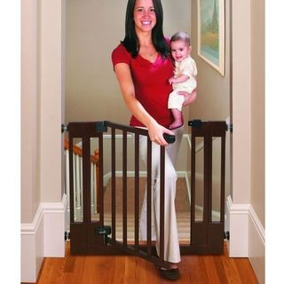 Summer Infant Sure & Secure Deluxe Top of Stairs Gate | Overstock.com Shopping - The Best Deals on Child Gates
