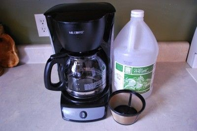 cleaning the coffee maker w/vinegar