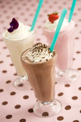 Milkshakes by Bobby DeenChocolate Strawberries, Milkshake Recipes, Lighter Vanilla, Summer Recipe, Ice Cream, Vanilla Milkshakes, Chocolate Milkshake, Paula Deen, Bobby Deen