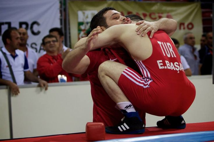 Wrestling. Lucha olimpica. Entrenador y pupilo. Trainer and wrestler.