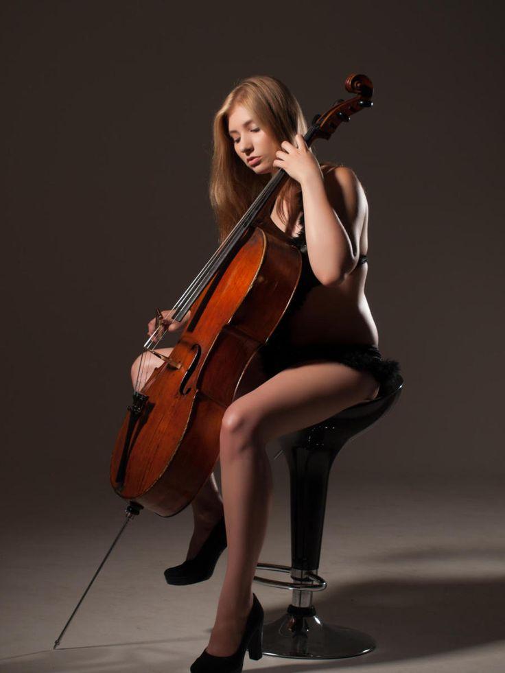 Cello Woman Nude 103