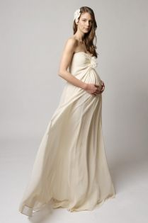 Trending strapless maternity dress pattern