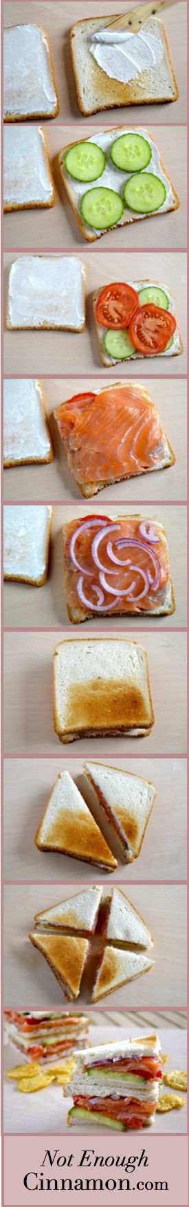 Smoked Salmon Club Sandwich: philadelphia, concombre, tomate, onion rouge