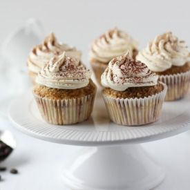 Riesling Cupcakes With Pear Mascarpone Frosting Recipe — Dishmaps
