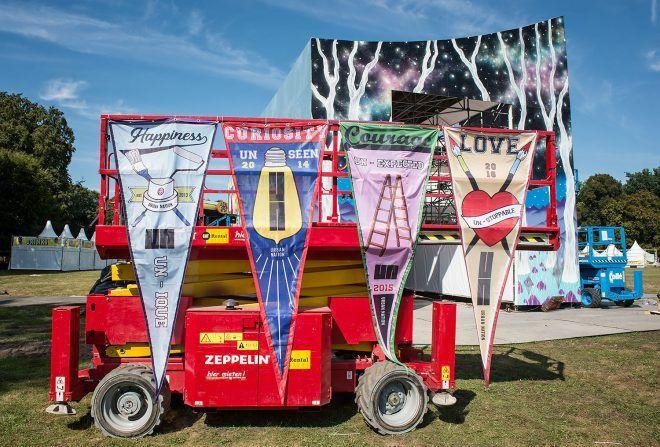 URBAN NATION @ LOLLAPALOOZA 2016 HAPPINESS, CURIOSITY, COURAGE AND LOVE! #dreamscape #urbannationberlin #DEIH #LoraZombie #LUDO #SHOK1 #DOME #MarinaZumi #TristanEaton #curiot #moneyless #Urbannation #urbanart #streetart #art #berlin #museumberlin #streetartberlin #urbanartberlin #lollapalooza #lolla #lollaberlin #festival #music #summer #lollapalooza2016