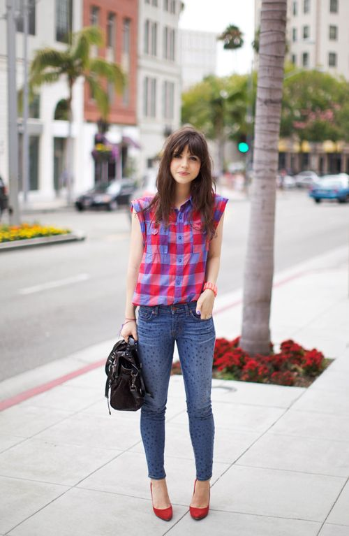 Cut off sleeves of oversized flannelUrbanoutfitters, Boys Fashion, Urban Outfitters, Casual Outfit, Street Style, Fashion Blog, Plaid Shirts, Brown Hair, Rodeo Drive