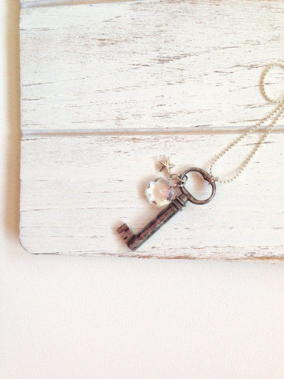 8 mejores imgenes de lemon basket skeleton key necklaces en antique skeleton key necklace with crystal charm repurposed necklace vintage necklace aloadofball Images