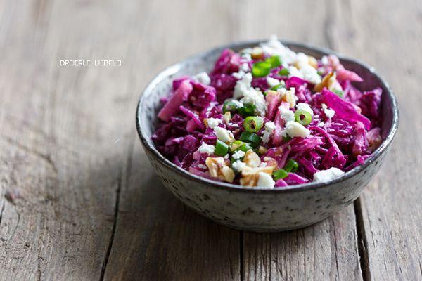 Rotkohlsalat mit Walnüssen und Feta + Schnelle Burger – Dreierlei Liebelei