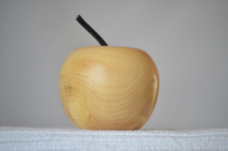 pomme en buis naturel tourn artisanalement accessoires de maison par lolotourneur tournage. Black Bedroom Furniture Sets. Home Design Ideas