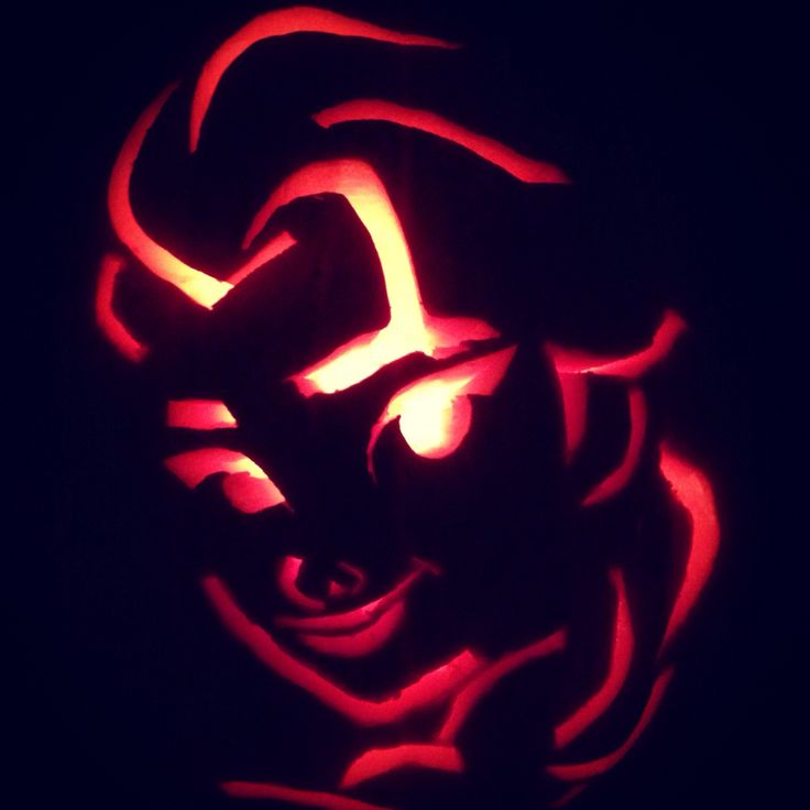 Our Elsa Pumpkin! Daddy did such a great job for our munchkin! Rylee picked out her stencil and helped daddy! #familytime #halloween2014