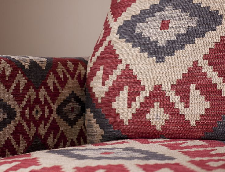 JAMES MALONE FABRIC - Estilo kilim col. Rojo Gorgeous chunky kilim style fabric, perfect for statement upholstery. Available exclusively from The Textile Company