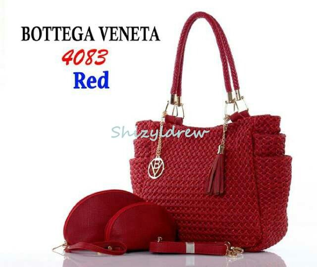 Bottega Veneta Marissa 4083 3in1 Leather uk-31x17x26cm kualitas semi premium IDR 385.000 merah  #bottegabag #bottegavenetabag #forsale #jualtasbottega #jualtasbottegaveneta #jualtasimport #ladiesbag #ladiesfashion #olshop #olshopindo #olshopindonesia #onlineshop #onlineshopindo #onlineshopindonesia #onlineshopping #salebottegabag #salebottegavenetabag #womenbag #womenfashion
