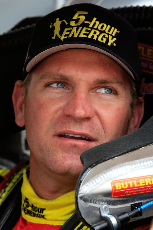 my 2nd favorite nascar driver, Clint Bowyer.