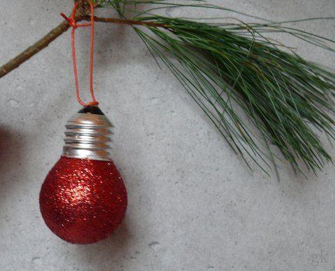 gkkreativ: ★ Weihnachtsbaumkugeln aus alten Glühbirnen bastel...