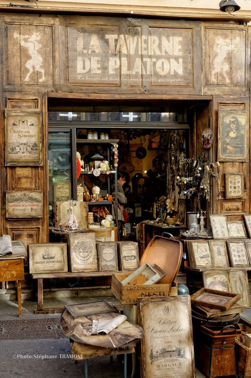 antique shop in France