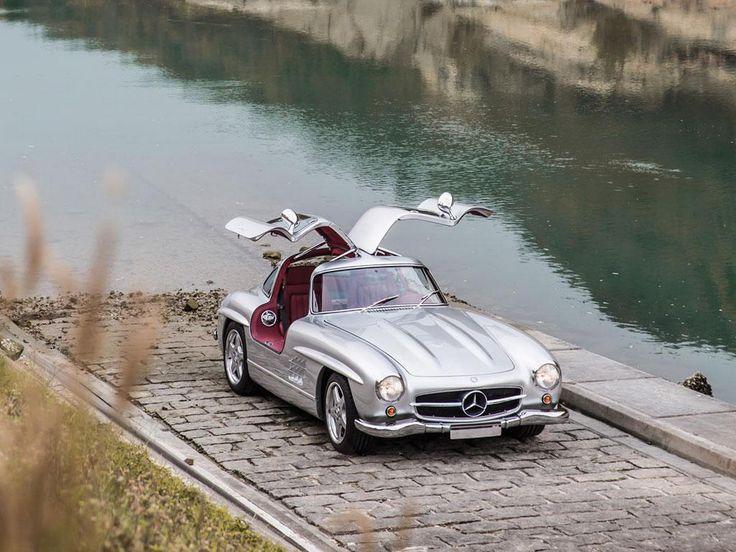 Imagini - Mercedes-Benz 300 SL model 1954, o bijuterie scoasă la licitaţie