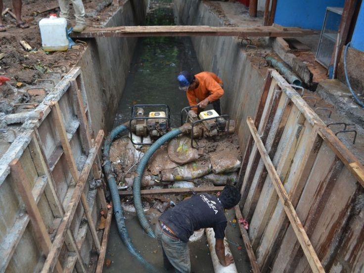 Proses pengeringan air dengan menggunakan pompa sedot