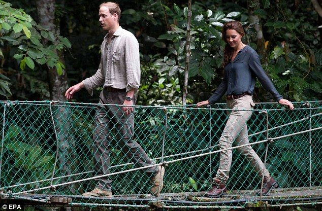 Follow my leader: William and Kate cross a bridge at the research centre in Danum ValleyRoyal Families, Duchess Of Cambridge, The Duchess, Prince Williams, Princesses Style, Danum Valley, Kate Middleton, The Bridges, Duchess Kate