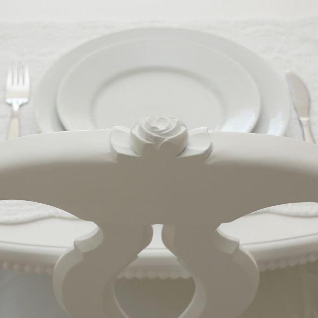 Gustaviansk, matsal, pärlkant, pärllist, vitt, white, white living, rörstrand, swedish grace, vit inredning, molban, svenska modellen