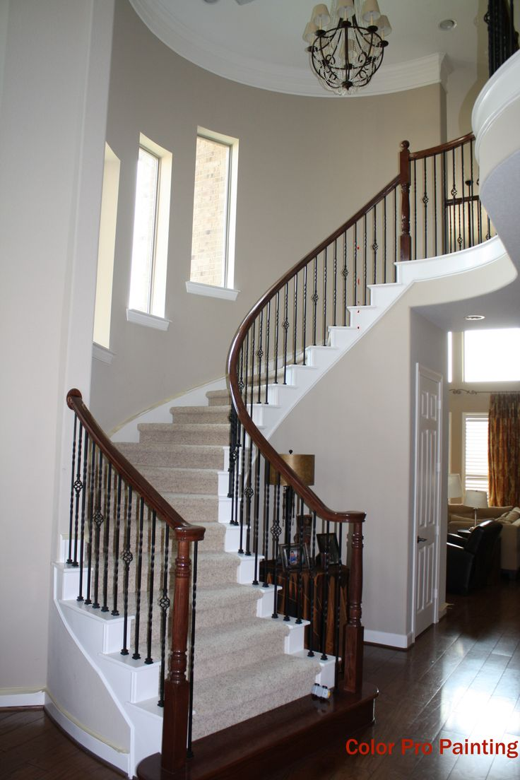 Best Very Light And Bright Entry With A Curved Staircase Wood 400 x 300