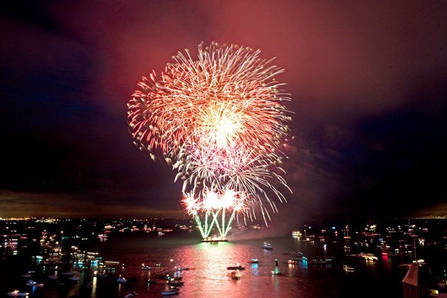 Thousands of people watch the Fireworks to celebrate the end of Aberdeen Asset Management Cowes Week on August 12, 2011 in Cowes, England. (Photo by Rick Tomlinson/Getty Images)