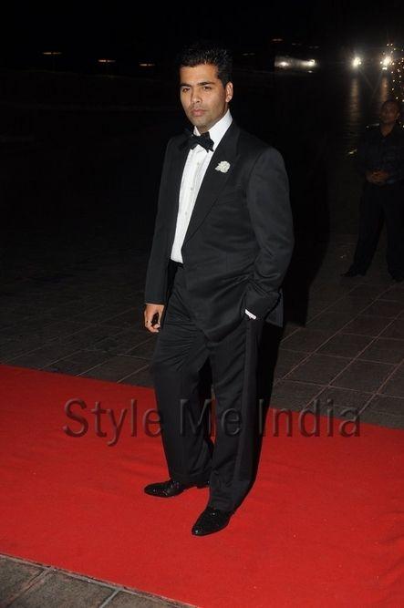 Bollywood Celebrities attend Karan Johar's 40th Birthday Party http://shar.es/quxm5