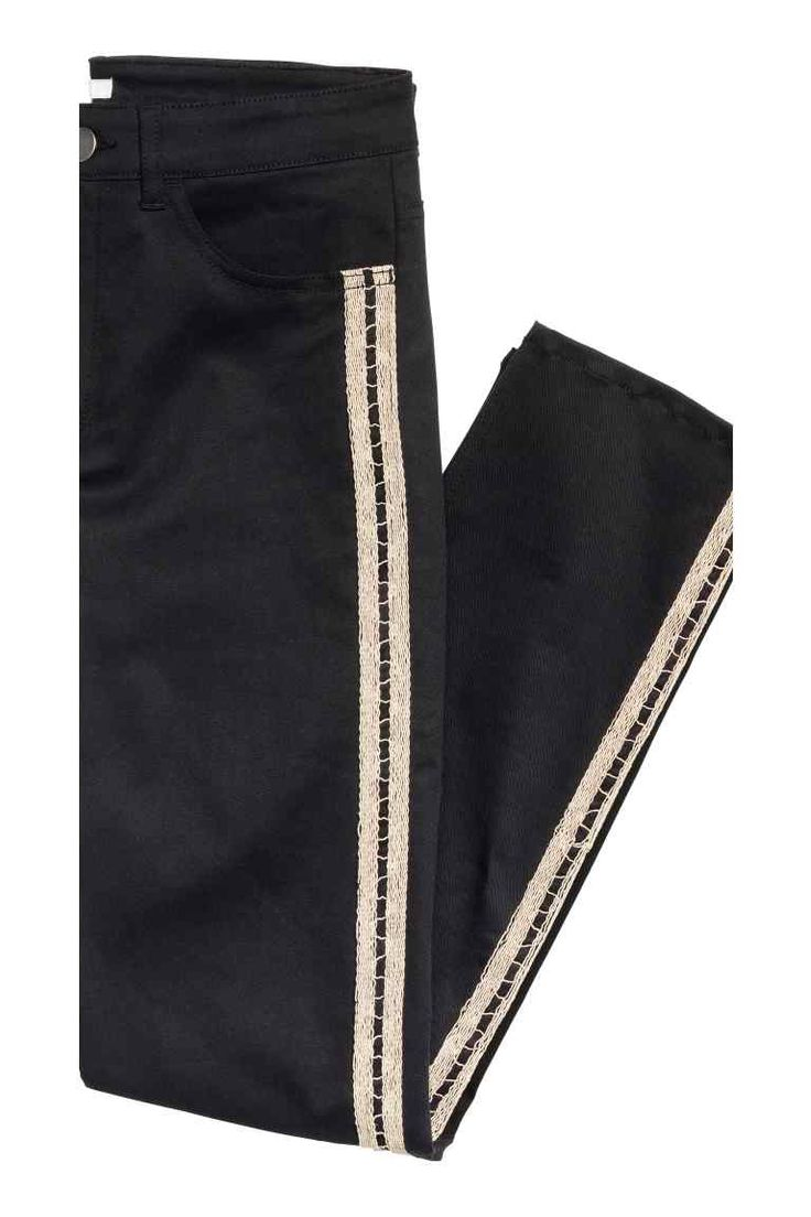 Twill trousers with stripes   H&M