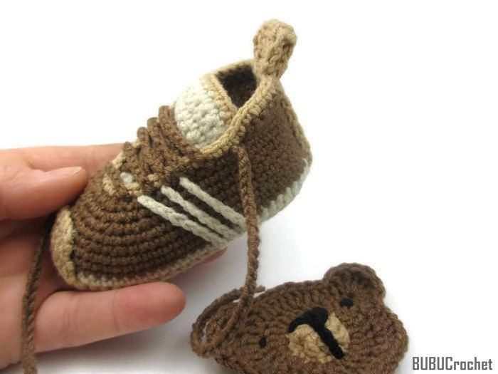 Crochet Baby Shoes, Crochet Baby Booties, Baby Shoes, Crochet Baby Sneakers, Brown Baby Shoes, Brown Baby Booties, White / Brown by BUBUCrochet on Etsy