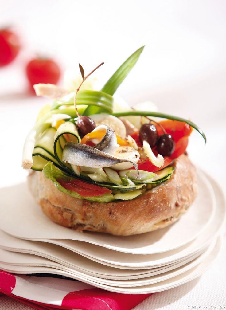Le pan bagnat est la star de l'été version Alain Ducasse.