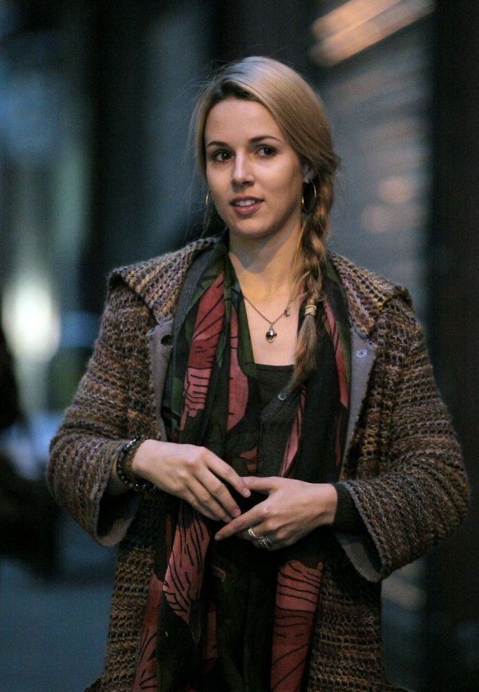 "Alona Tal as Allison ""Ali"" Masters-Bradley. (Formerly Reynolds). Jake's adopted sister and Jeff's wife."