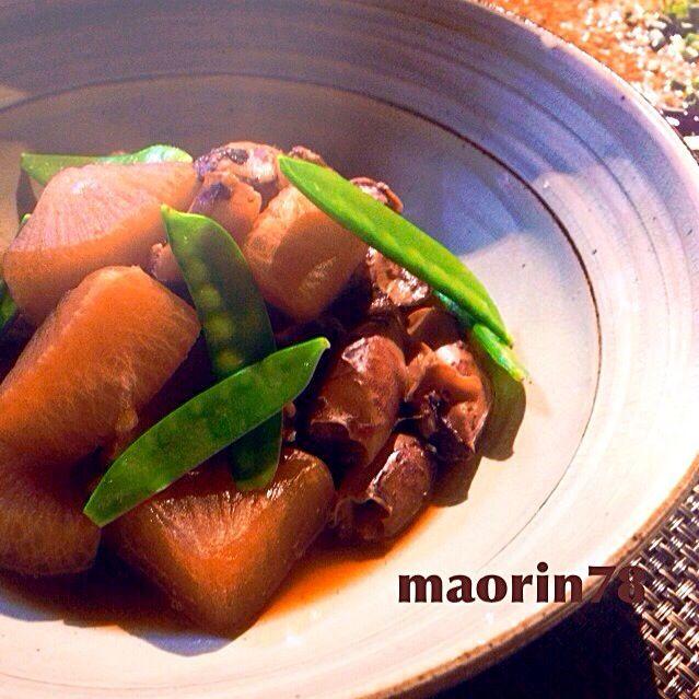 久しぶりにまた作ってみましたが… やはり旨し…  簡単に味が染みこんでくれるので、かなりの時短です 助かるぅ〜(。-ܫ-。)ムフッ♥ - 167件のもぐもぐ - レンジで簡単!大根に味がしみる〜♪ヤリイカと大根の煮物 by maorin78