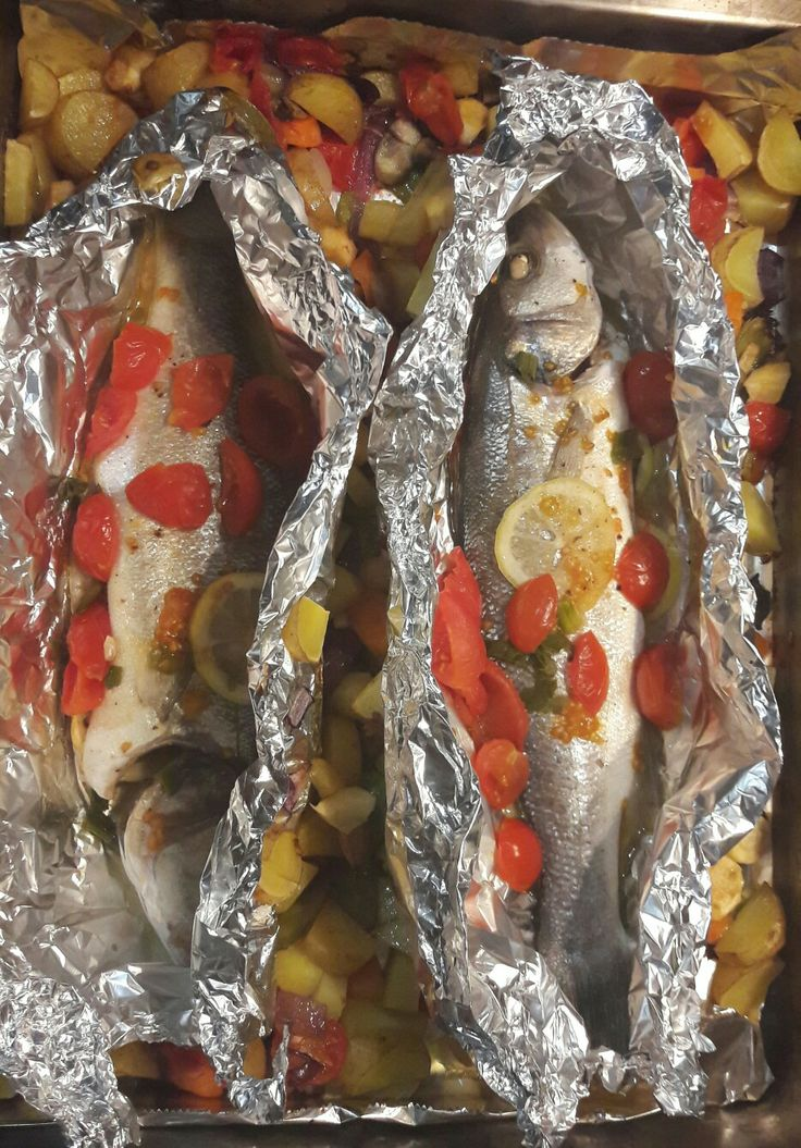 Seabass fish with fresh veggies. how to make it soooo good? add a slice of fresh lemon and Laurum into the fish stomach. .. is the secret