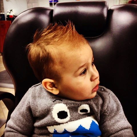 Cute first haircut for baby boys!  ♥♥♥