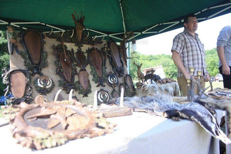 Sute de timisoreni au petrecut la Festivalul Vanatorilor de la Padurea Verde