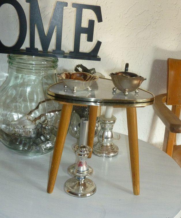 Vintage Hocker - zuckersüßer 50er Hocker Dreibein Blumenschemel - ein Designerstück von ClaudiasBayernCottage bei DaWanda
