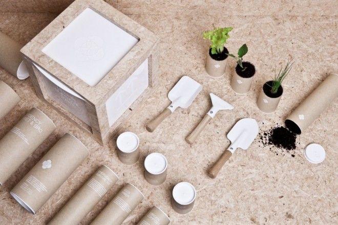 Набор для «выживания» в городе # «Urban Survival Pack» от дизайнера Ryan Romanes представляет собой квадратную коробку с тремя емкостями, которые содержат аварийно-спасательное оборудование, садово-огородный инвентарь и семена.