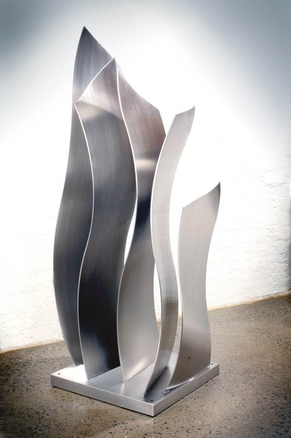 A custom metal garden sculpture by Melbourne-based artist and designer Pierre Le Roux is the perfect focal point for your home or garden. Contact us today.