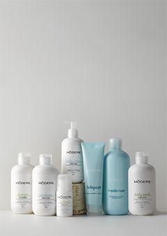 Bathroom Collection | La Collection renforce et améliore votre apparence avec ses produits conçus pourembellir, purifier et renouveler le corps.