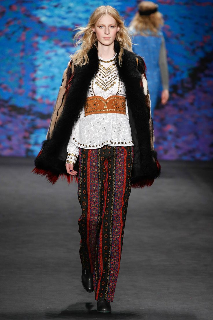 Anna Sui - Fall 2015 Ready-to-Wear - Look 43 of 52