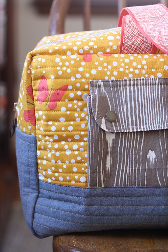 tips for sewing the cargo duffle by noddlehead full FREE tutorial here http://www.robertkaufman.com/quilting/quilts_patterns/Cargo_Duffle/